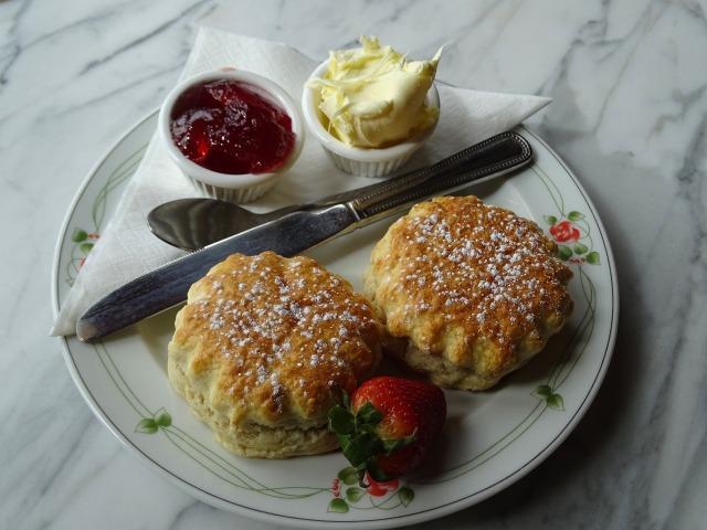 cream-tea-2258336_1920